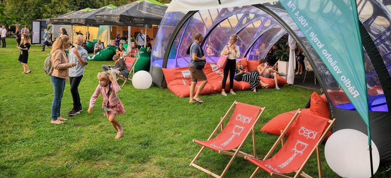 Festivalová zóna je v plném proudu